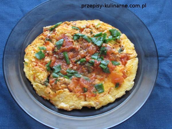 Omlet z pomidorem
