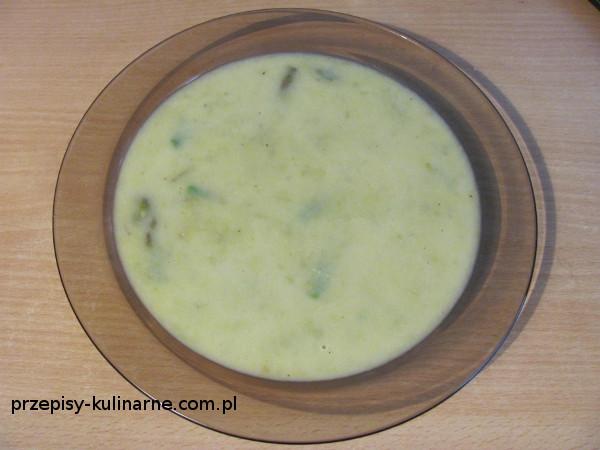 Zupa – krem ze świeżych szparagów