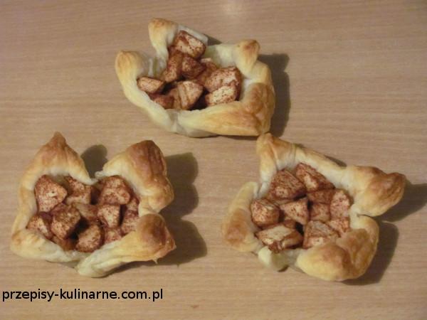 Francuskie miseczki z jabłkami
