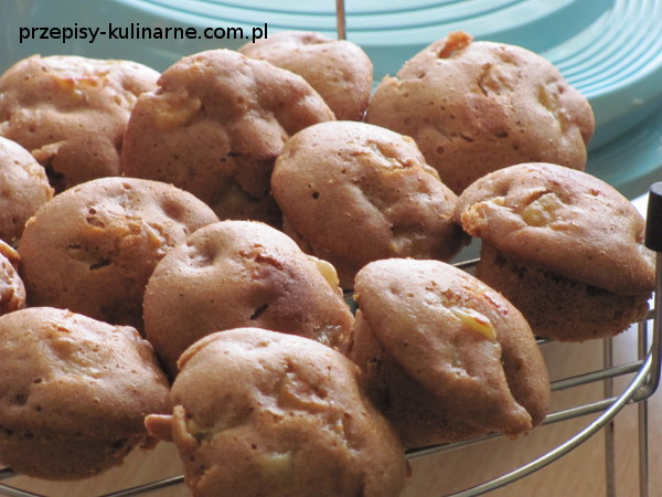 babeczki jablkowo cynamonowe