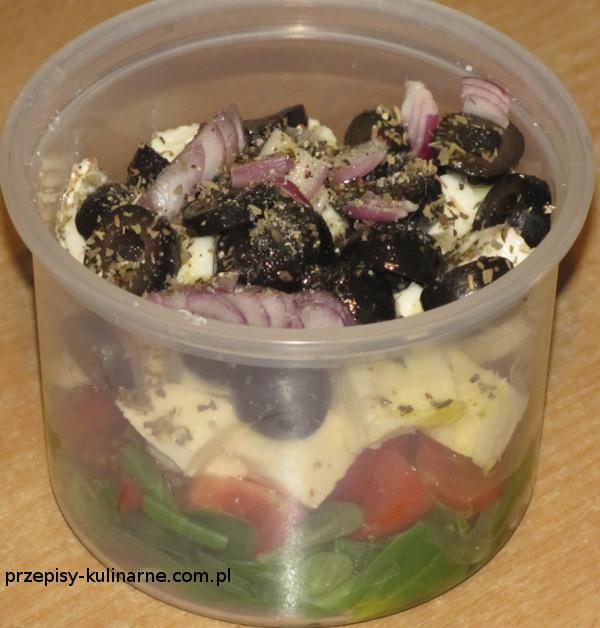 salatka warstwowa z mozzarella