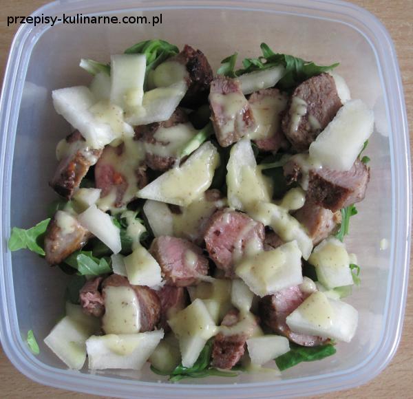 salatka z kaczka i gruszka