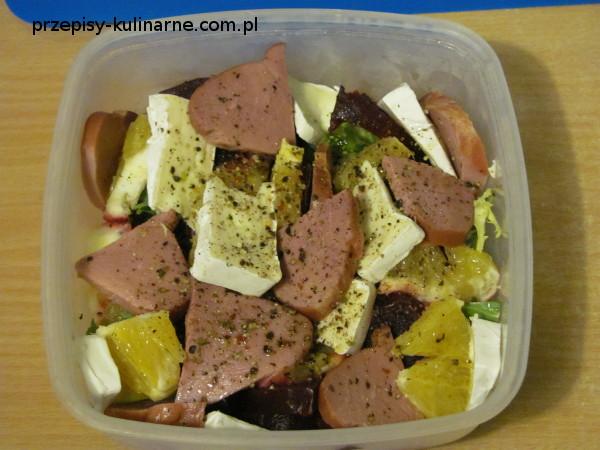 salatka z kaczka camembertem