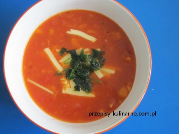 Zupa pomidorowa z serem żółtym