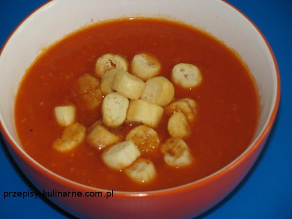 krem pomidorowy  grzankami